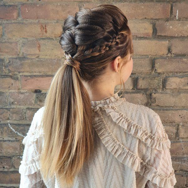 Buidskapsel modern ponytail