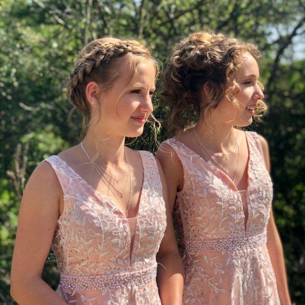 Bruidsmeisjes Matthea en Dionne